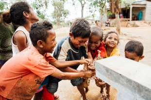 WASH in Bacau, Timor Leste , children laughing (Partner - Red Cross)